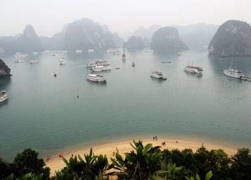 come-organizzare-un-viaggio-in-vietnam-halong-bay.jpg