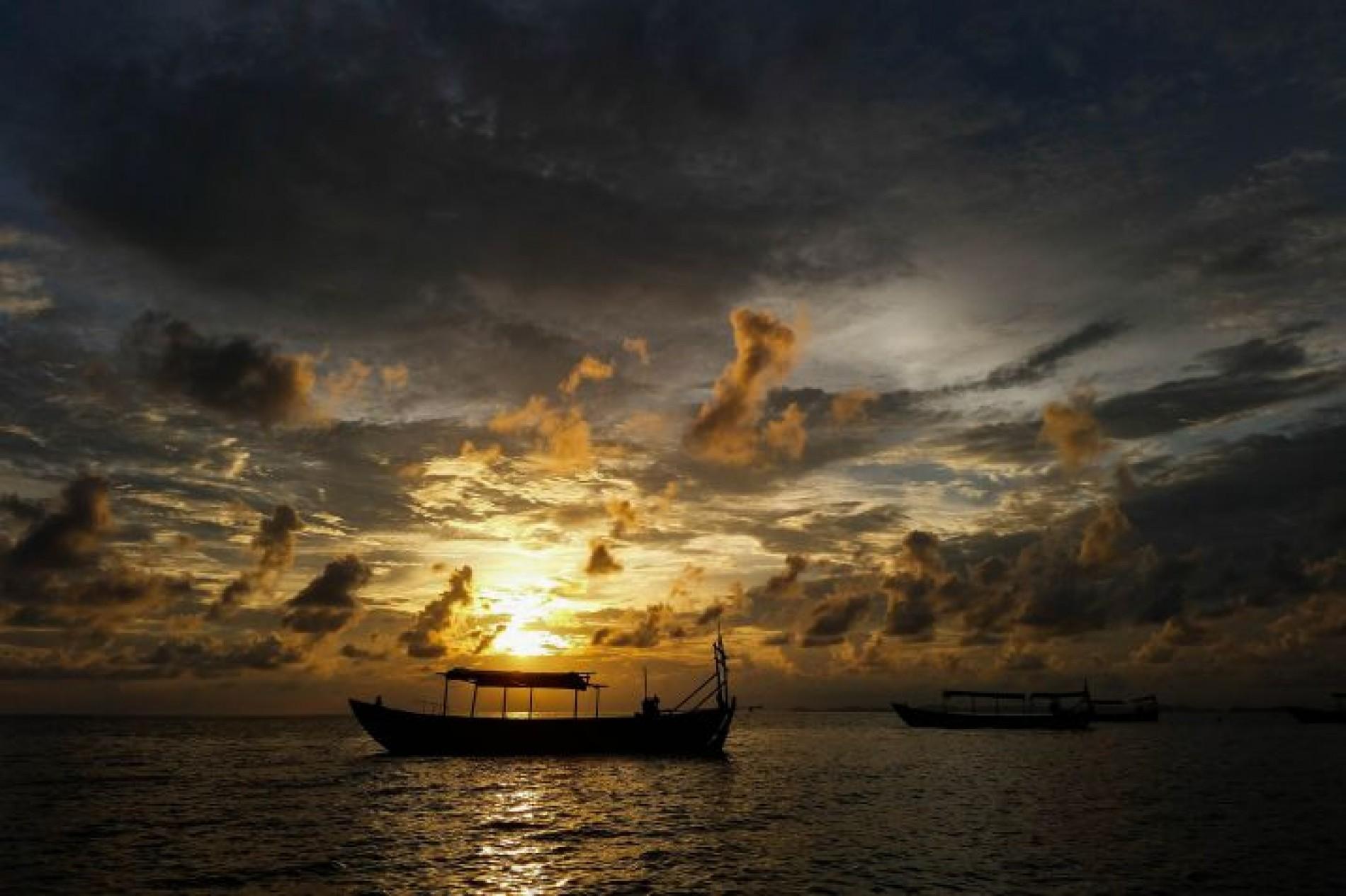 Souvenir da un Viaggio fra Vietnam e Cambogia … essenza d Indocina! 75f8904d7295
