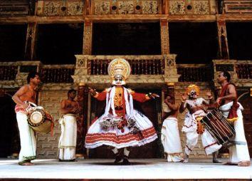 bis-Kathakali-dgv-travel.jpg