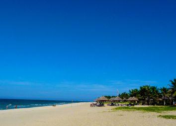 Hoi-An-beach.jpg